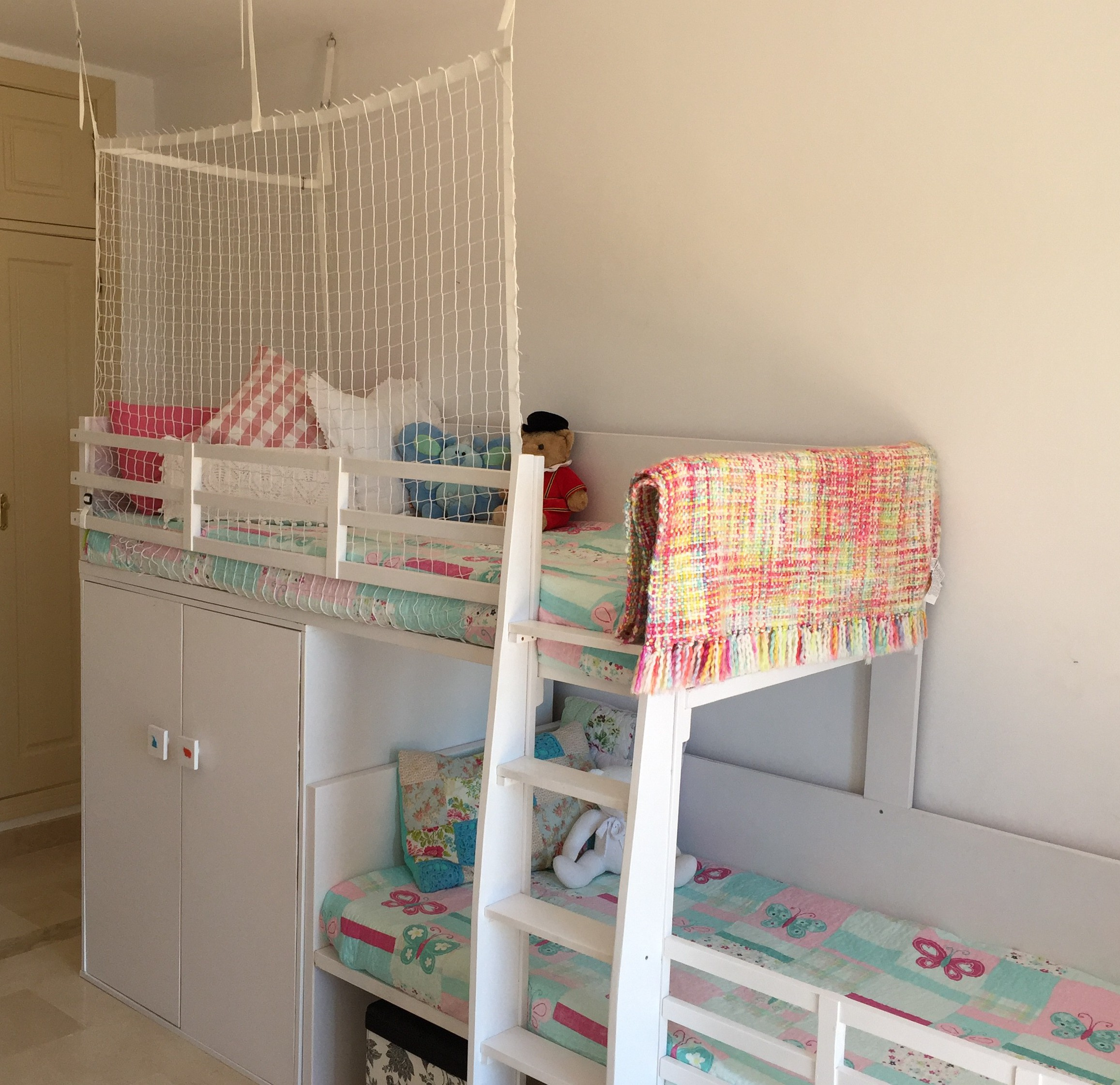 Barandillas máxima seguridad para camas altas y literas. Quitamiendos literas. Protección anticaidas.